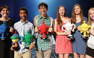 De gauche à droite : Les lauréats de l'expo-sciences Google de 2014 Hayley, Mihir, Kenneth, Ciara, Sophie et Émer. (Photo avec l'aimable permission de Google.)